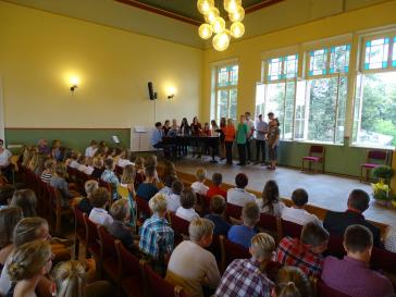 Der Schulchor präsentierte gleich drei seiner aktuellen Hits.