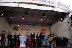 Kokos Auftritt auf der Bühne vor dem Kultur- und Festspielhaus Wittenberge