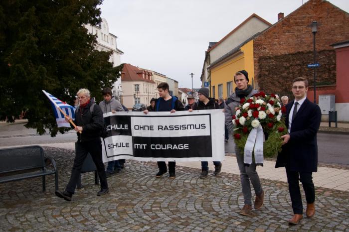 Ankunft beim VVN Denkmal am Marienplatz